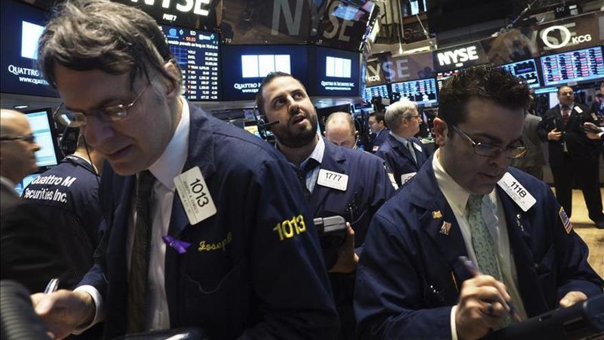 Wall Street se recupera en la media sesión y el Dow Jones sube un 0,70 por ciento