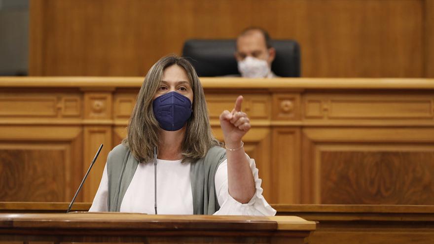 La imputación de Cospedal desata un bronco debate en las Cortes de Castilla-La Mancha que el PP esquiva con los indultos