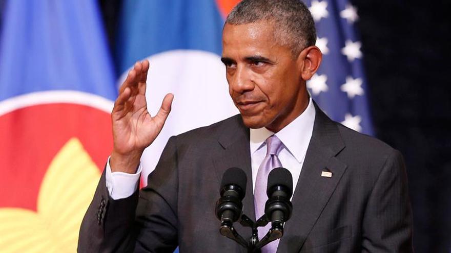 """Obama dice que aún hay en EE.UU. recelo """"injusto"""" hacia mujeres poderosas"""
