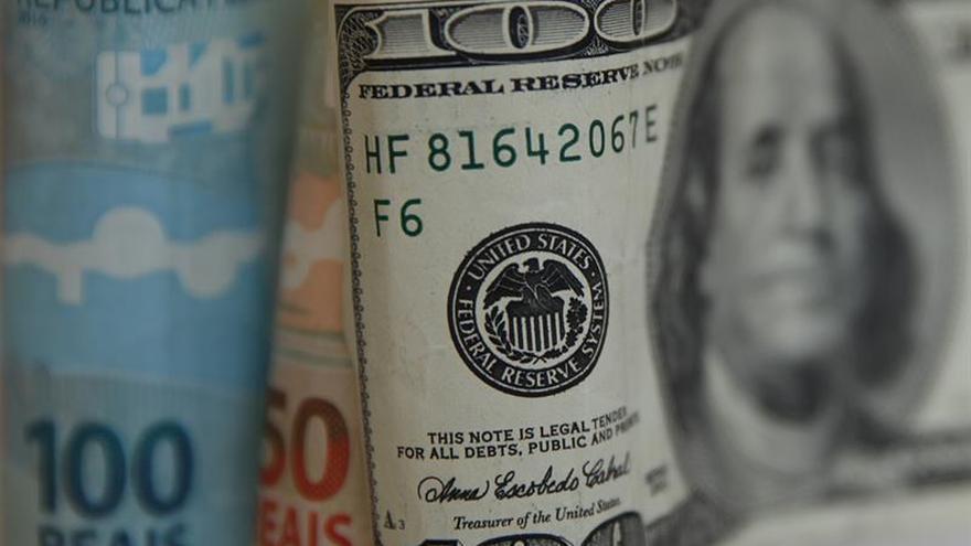 Brasil suma en 10 meses un superávit comercial récord de 38.427 millones dólares