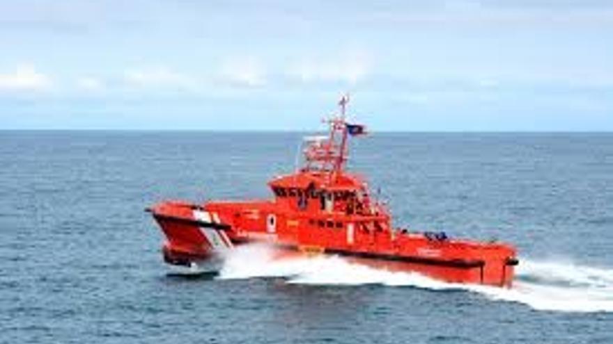 Salvamento rescata a 124 inmigrantes a bordo de cuatro pateras localizadas en el Estrecho
