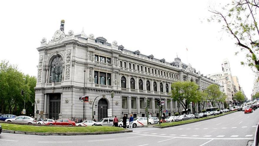 El bono español a diez años supera el 1,6 % y la prima de riesgo sube a 112