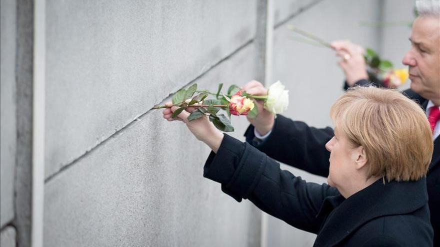 Merkel apela a la unidad de Europa en el 25 aniversario de la caída del muro