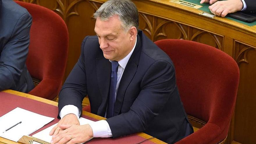 """Orbán dice que elección de Trump en una """"buena noticia"""""""