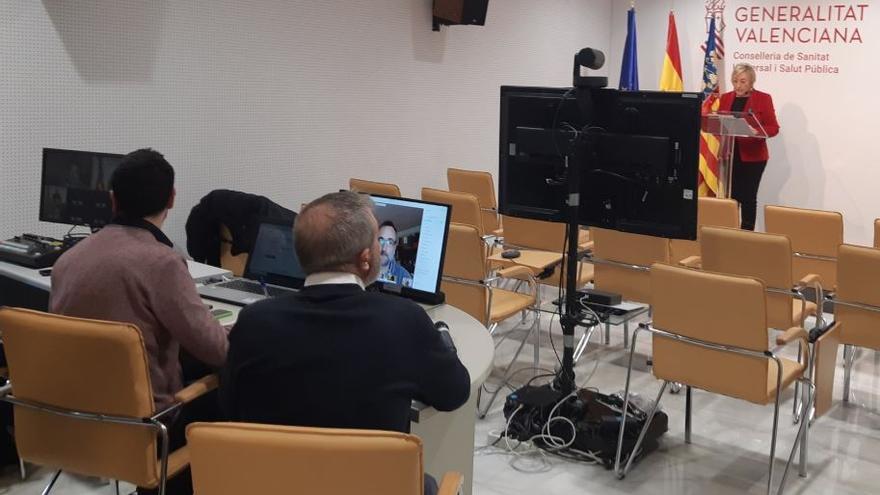 Un momento de la comparecencia y rueda de prensa de la consellera Ana Barceló.