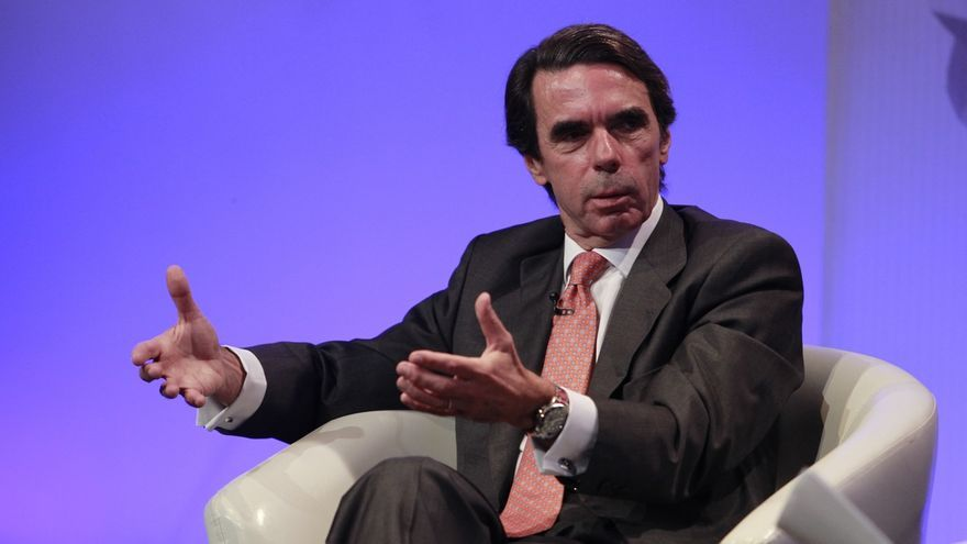 Aznar contactó con el entorno del presidente para interesarse por el estado de Rajoy tras el puñetazo