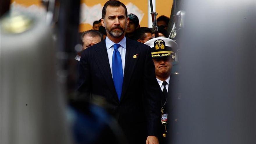 El Príncipe Felipe regresa a España tras asistir a la investidura de Correa