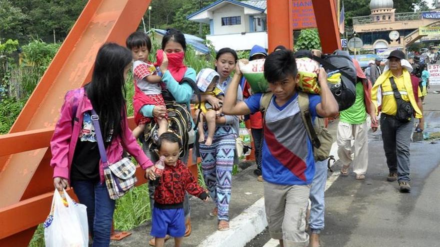 Extranjeros adoctrinados por el EI participan en combates al sur de Filipinas