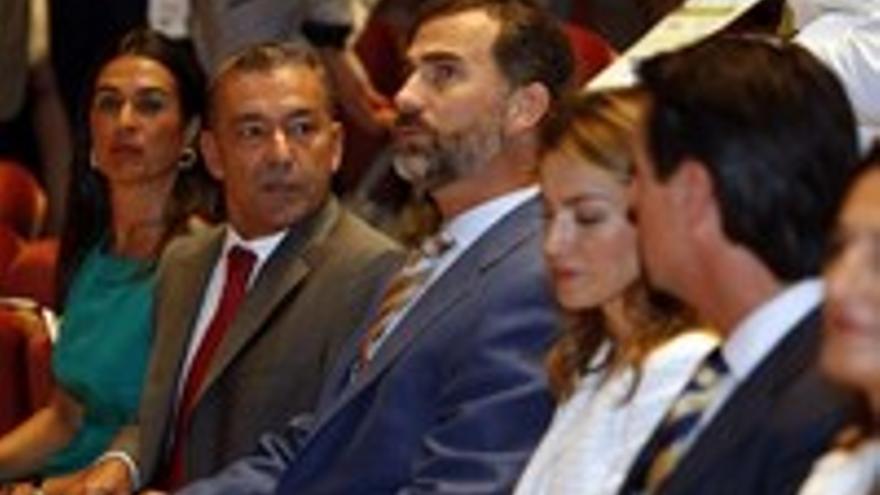 Águeda Montelongo, en primer término, obligó a moverse al secretario general de la OMT, de la ONU.