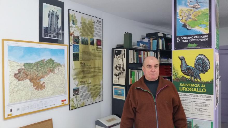 El presidente de Arca, Carlos García, en la sede de la organización ecologista.