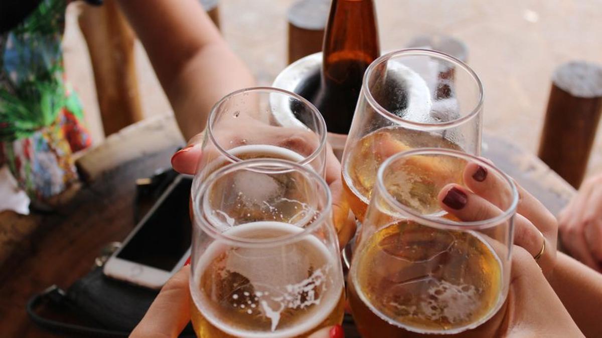 El alcohol es  la sustancia psicoactiva con mayor prevalencia de consumo en la población española (Giovanna Gomes/Unsplash)