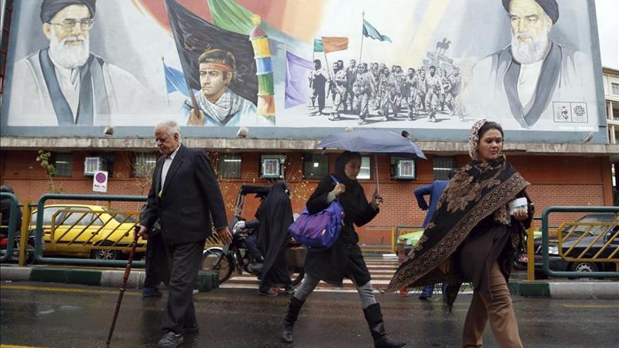 Jameneí afirma que apoya la extensión de negociaciones y un pacto nuclear