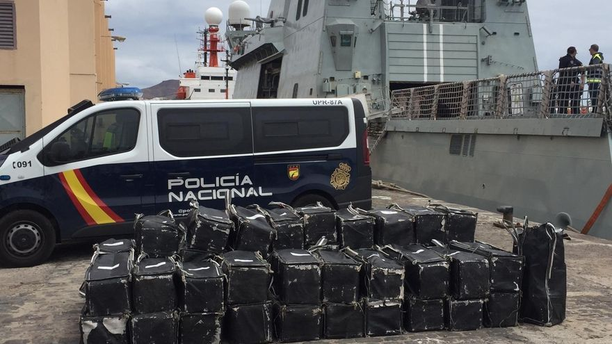 Cargamento de 1.500 kilos de coca interceptados en un barco en aguas cercanas a Canarias