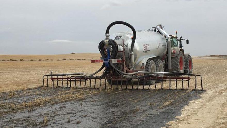 La misma consejería gestiona desde hace ocho años en Aragón las competencias sobre agricultura, ganadería y medio ambiente