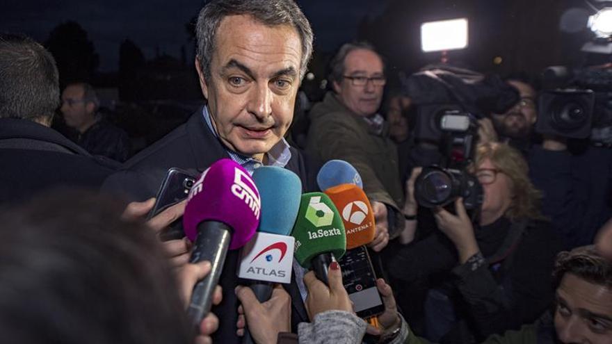 Zapatero recuerda a Castro como una figura clave de la historia contemporánea