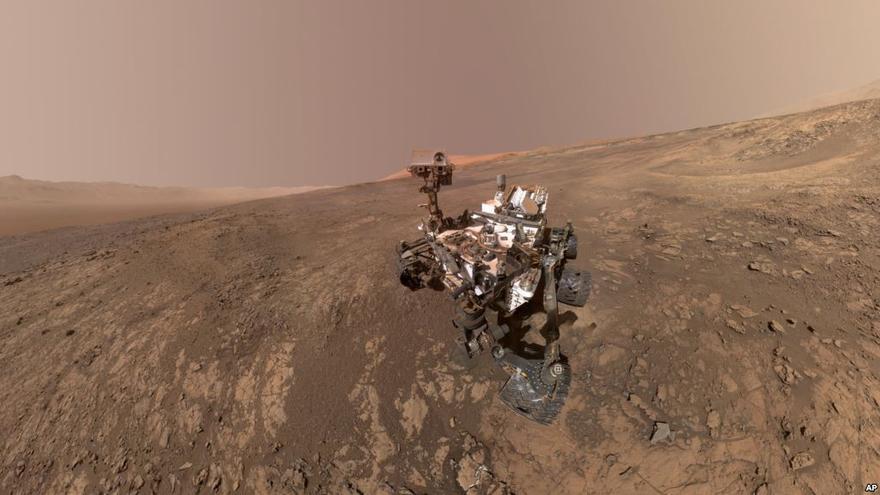 El robot marciano Curiosity en la cresta Vera Rubin