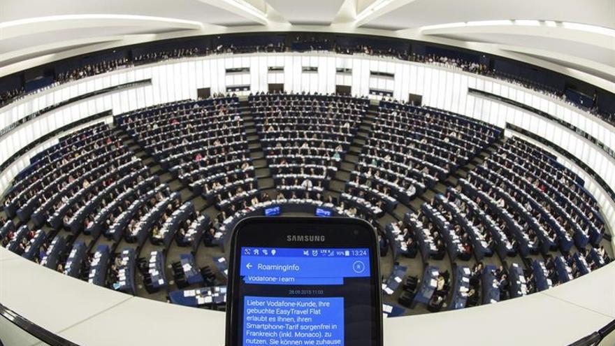 """El uso de datos móviles y llamadas se ha disparado desde el fin del """"roaming"""", según la CE"""
