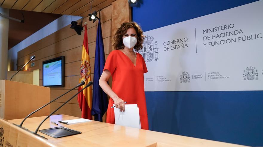 La ministra de Hacienda y Función Pública, Maria Jesús Montero, a su llegada a una rueda de prensa posterior a una reunión del Consejo de Política Fiscal y Financiera