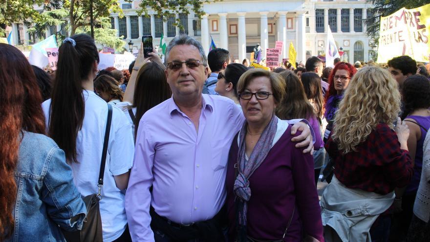 Juan Andrés ha acudido con su mujer. También su hijo y su hija estaban en la marcha contra la violencia
