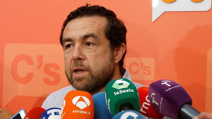 """Ciudadanos pide a Rajoy que trabaje para """"lograr la abstención"""" del PSOE"""