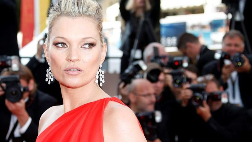 "Kate Moss protagoniza el videoclip ""The wonder of you"", de Elvis Presley"