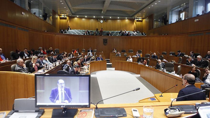 Ninguno de los siete partidos con representación en las Cortes ha enmendado la propuesta que salió de la ponencia.