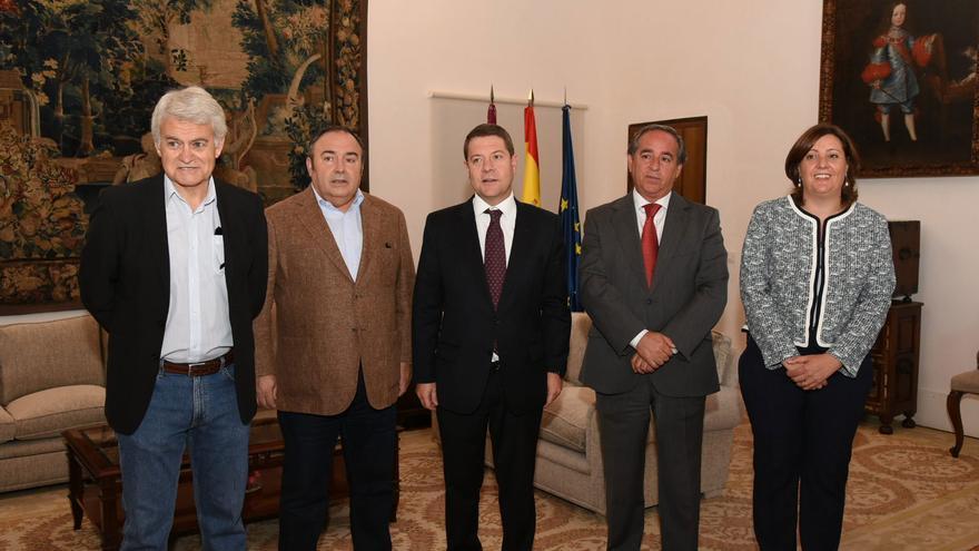Imagen de los firmantes del Pacto por la Recuperación de Castilla-La Mancha