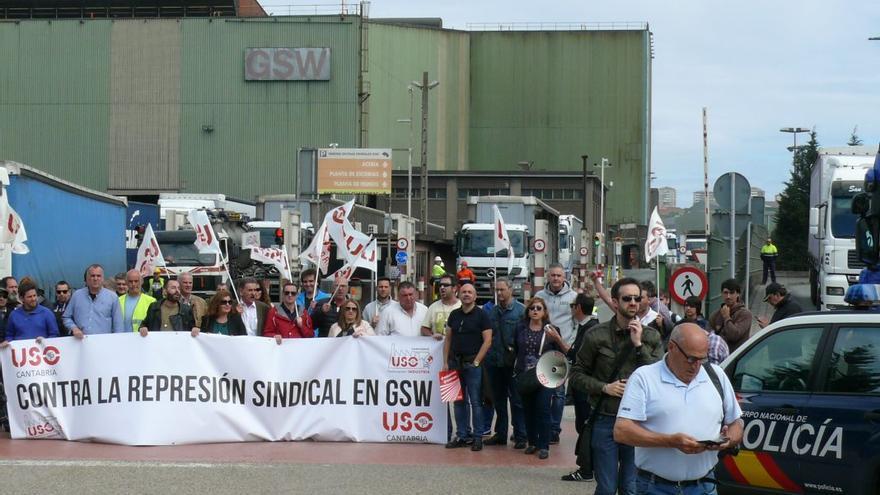 Protesta de trabajadores de GSW.   ARCHIVO/USO