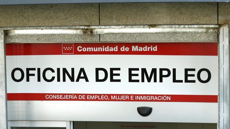 El paro juvenil en espa a llega al 57 6 for Oficina de desempleo