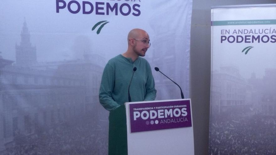 """Podemos exige a Sanz """"la misma prisa"""" para denunciar """"homenaje"""" a Utrera Molina que con la bandera republicana en Cádiz"""