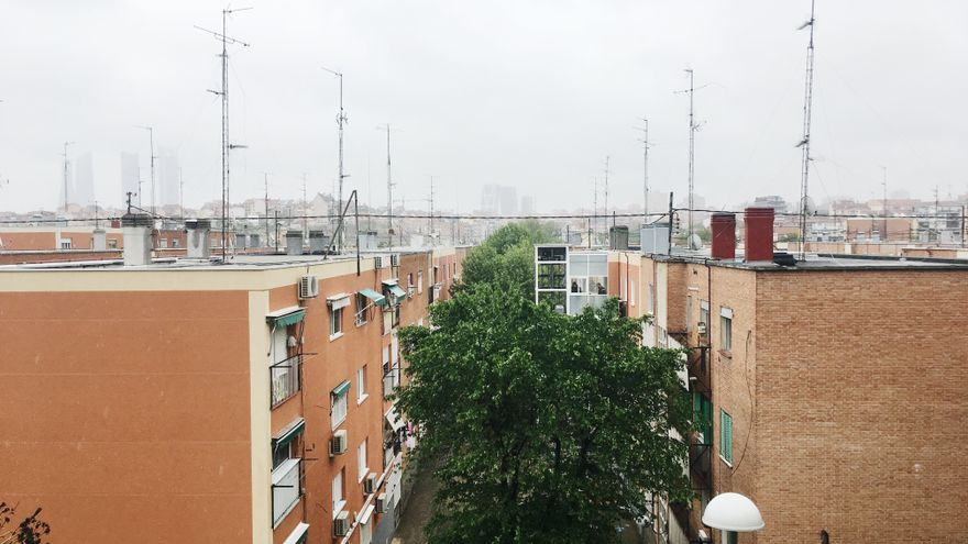 Las Cuatro Torres se ven desde Valdezarza, donde apenas hay ascensores