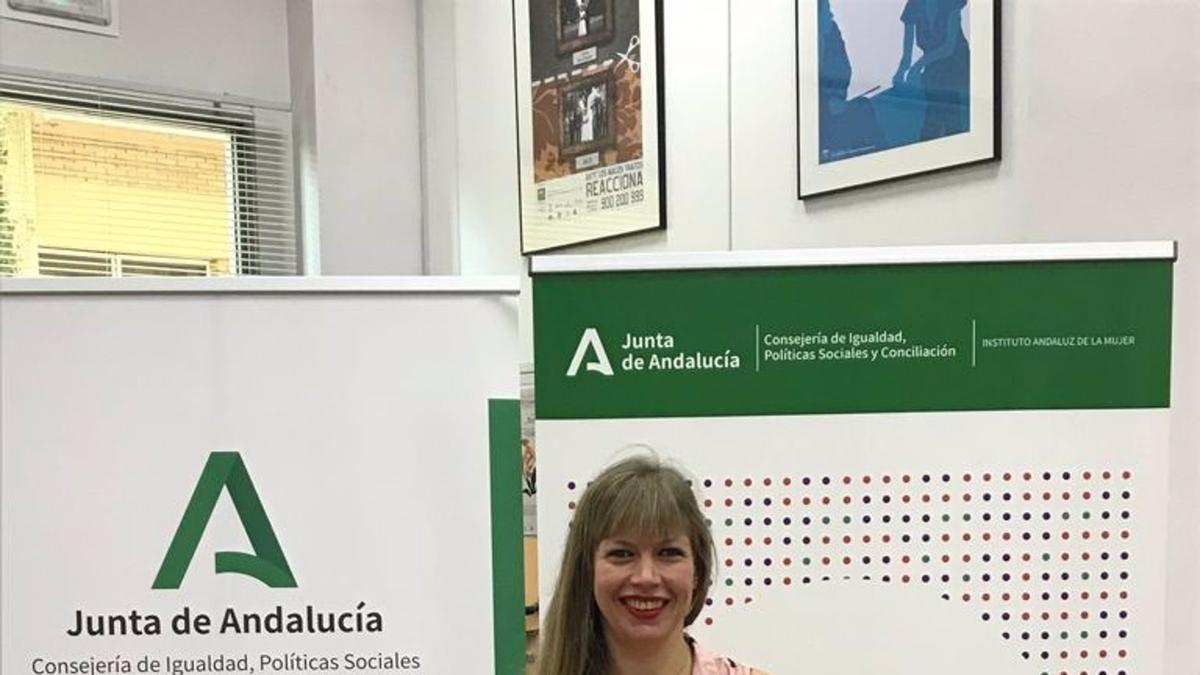 La asesora de programa del IAM en Córdoba, Lourdes Arroyo, en la presentación de 'Lo paras o lo pasas'.
