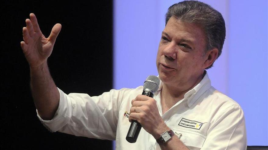 Santos afirma que un general desaparecido fue secuestrado al parecer por las FARC