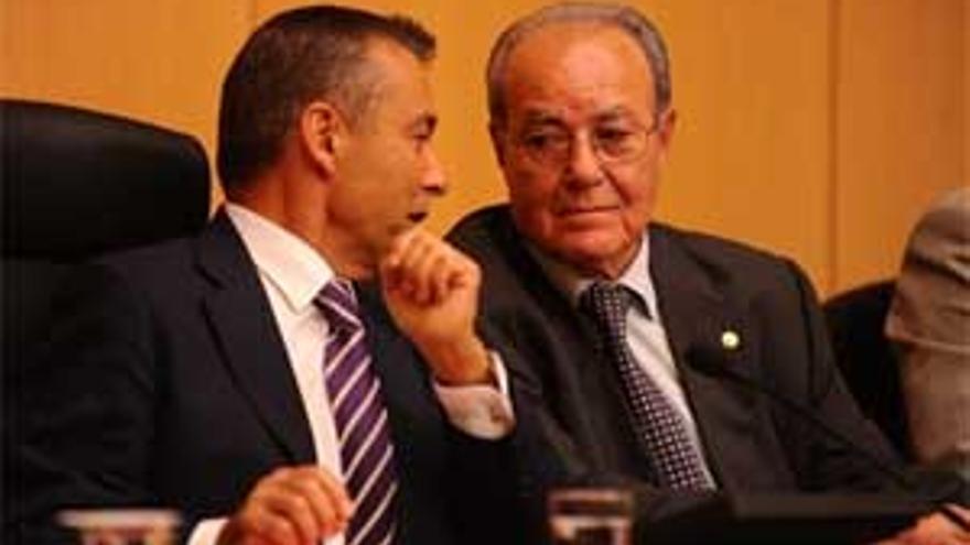 Paulino Rivero e Ignacio González.