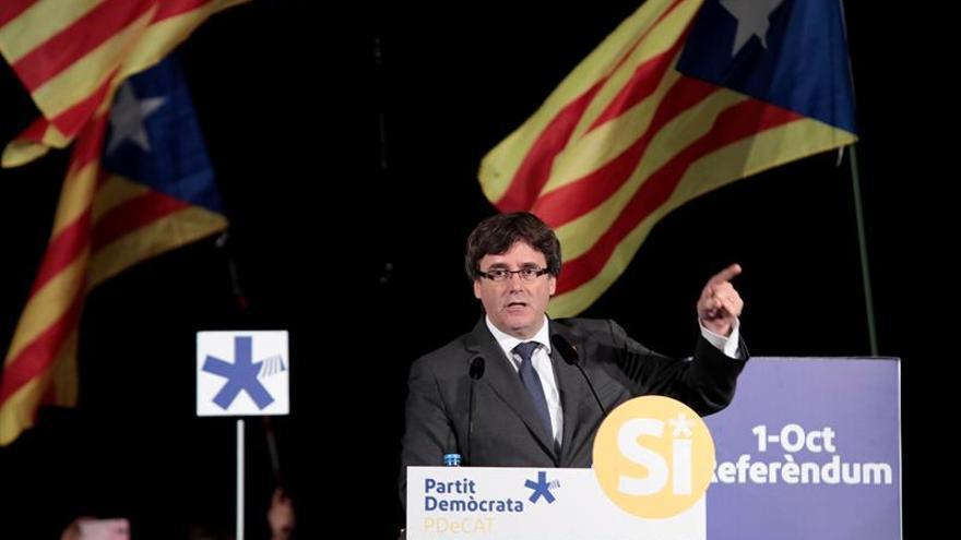 """Puigdemont dice que la violencia """"no ha sido ni será"""" una opción en Cataluña"""
