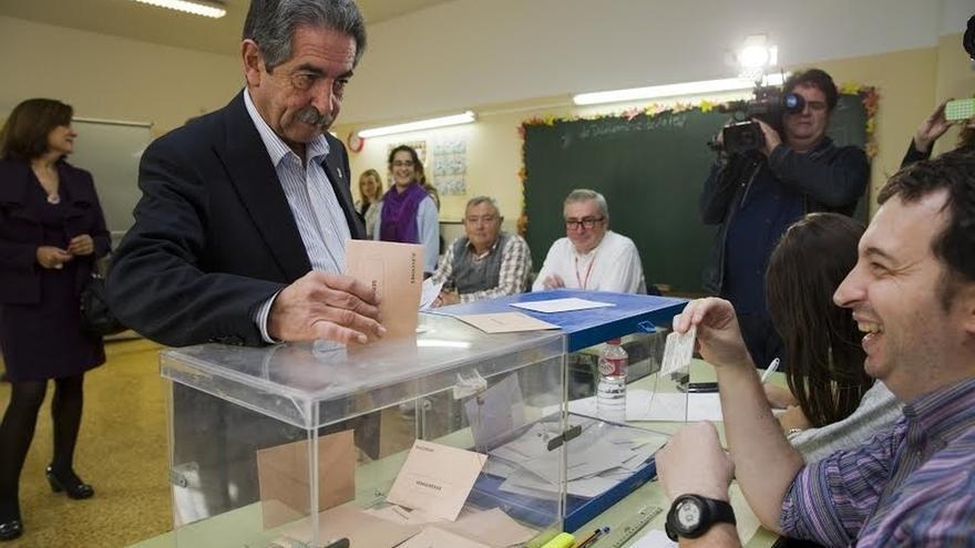 """Revilla (PRC) llama a votar en unas elecciones que van a """"consagrar una España a cuatro"""""""