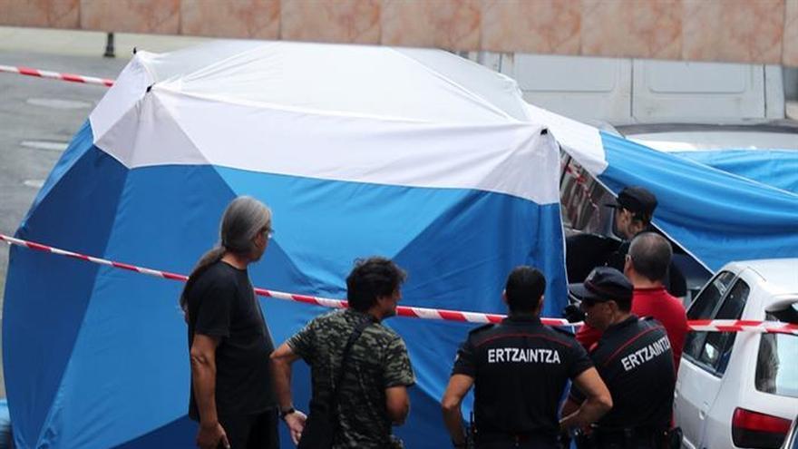 Mata a puñaladas a su pareja en Sestao y se suicida arrojándose al vacío