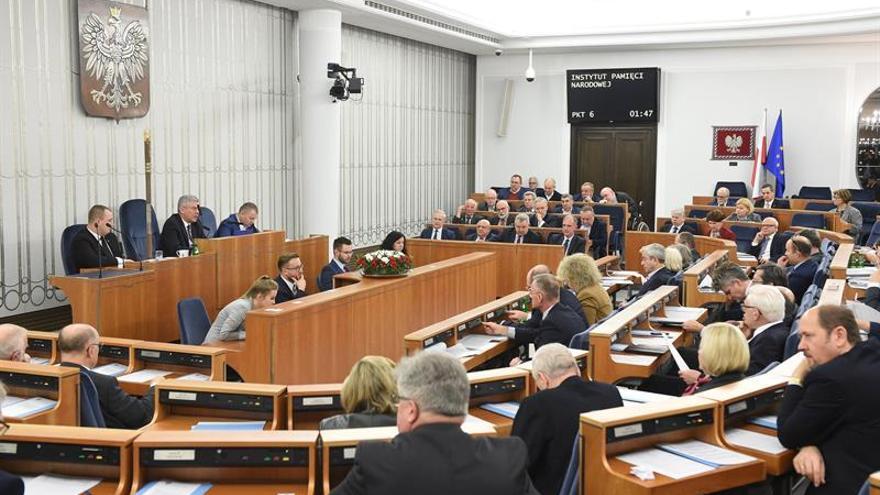 El Senado polaco aprueba la polémica ley del Holocausto