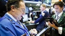 Al término de las operaciones en la Bolsa de Nueva York, el Dow Jones de Industriales subió un 0,57 % o 150,66 puntos, hasta los 26.496,67, mientras que el selectivo S&P 500 avanzó un 0,64 % o 18,73 enteros, hasta los 2.938,13.