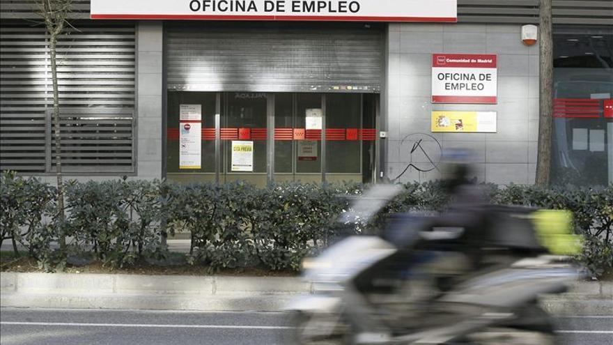El PSOE lamenta un modelo laboral de contratos caducos con salarios de pobreza