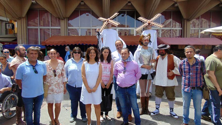 Pilar Zamora en la inauguración del Gran Mercado Cervantino. FOTO: Ayuntamiento de Ciudad Real