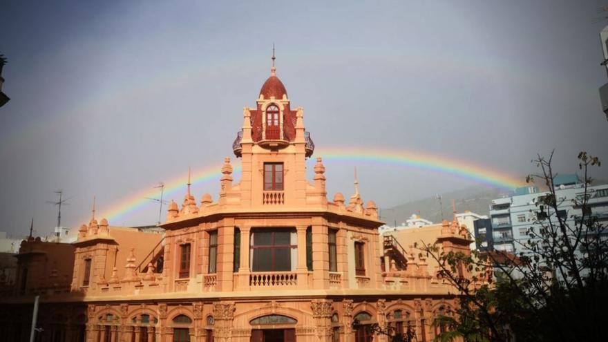 Santa Cruz amanece con un inusual arcoíris doble por las primeras lluvias de este viernes