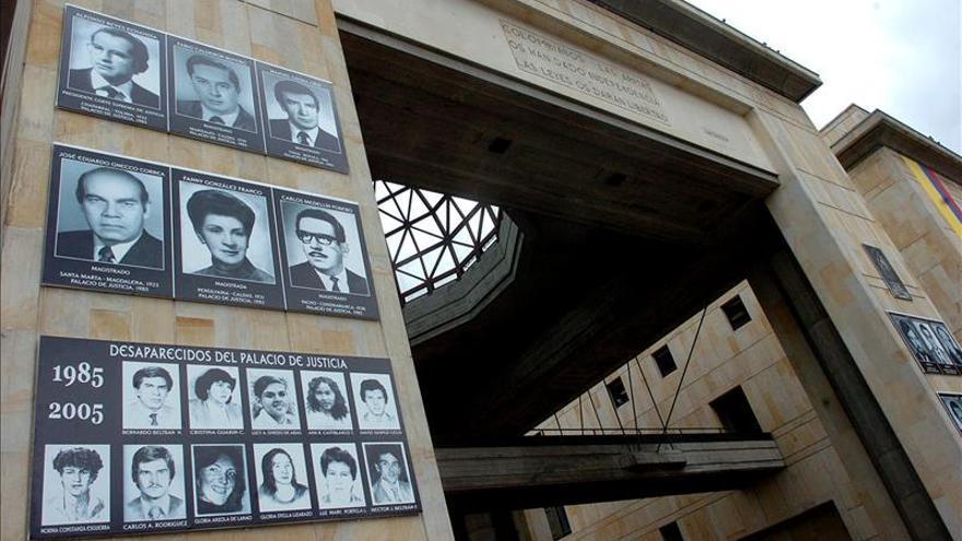 Absuelven a coronel colombiano por desapariciones del Palacio de Justicia