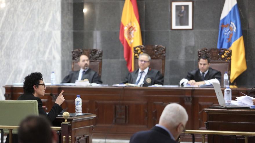 La fiscala Evangelina Ríos declara en el juicio contra Salvador Alba. (Alejandro Ramos).