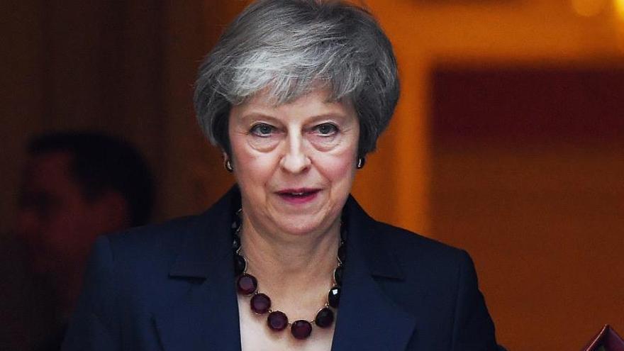 """May preside una decisiva reunión del Gobierno para aprobar plan del """"brexit"""""""