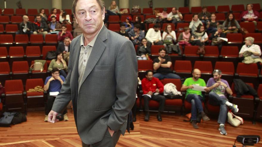Guy Standing, uno de los precursores de la renta básica, en la Universidad de Oviedo. Foto: Pablo Lorenzana