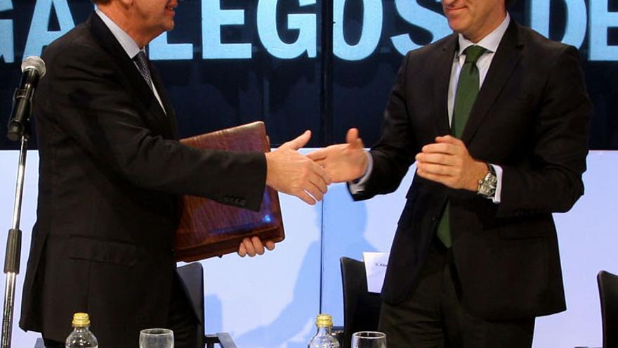 Fernández de Sousa y Feijóo, en una entrega de premios en 2010