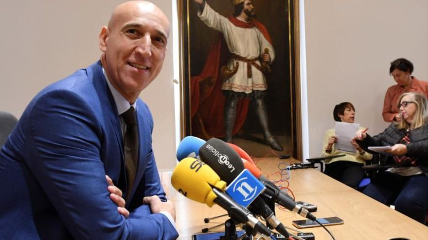 El alcalde socialista de León desoye a Ferraz sobre la autonomía leonesa