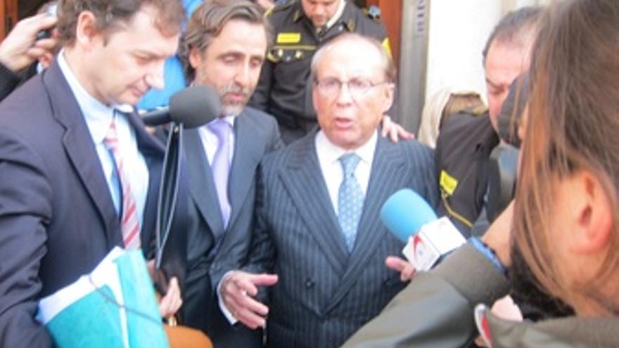 Ruiz-Mateos Saliendo Del Juzgado En Palma