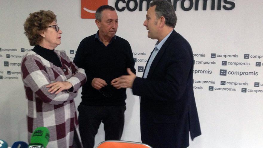 La senadora Dolors Pérez y los diputados Joan Baldoví y Enric Bataller en la sede de Compromís en Valenica